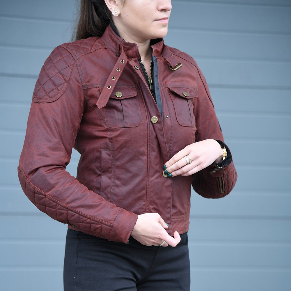 Holwell-lifestyle-2 Women's Holwell Jacket