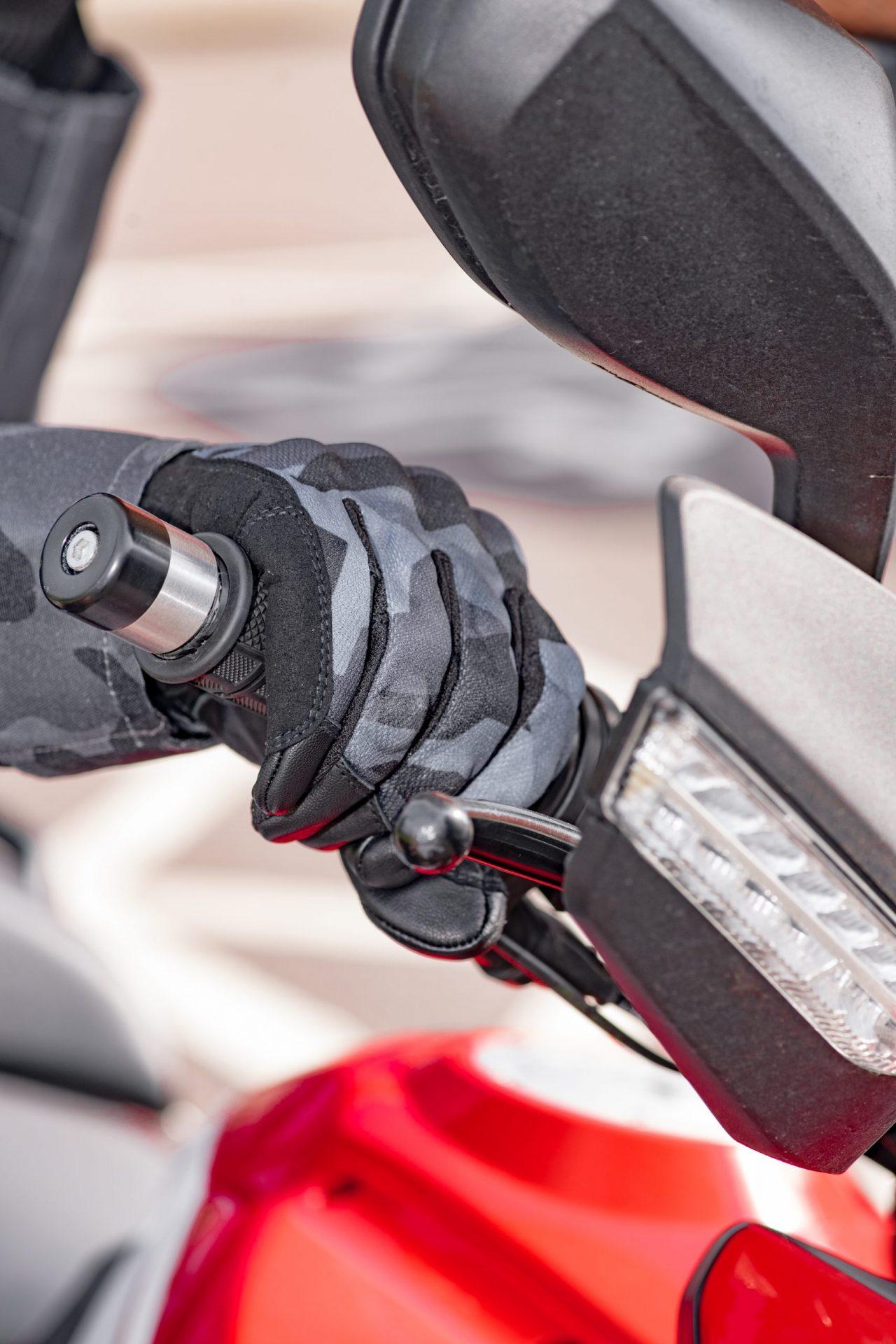 GM210101-Bryon-MS-Glove-Grey-Camo-3-scaled Byron Short Summer Gloves