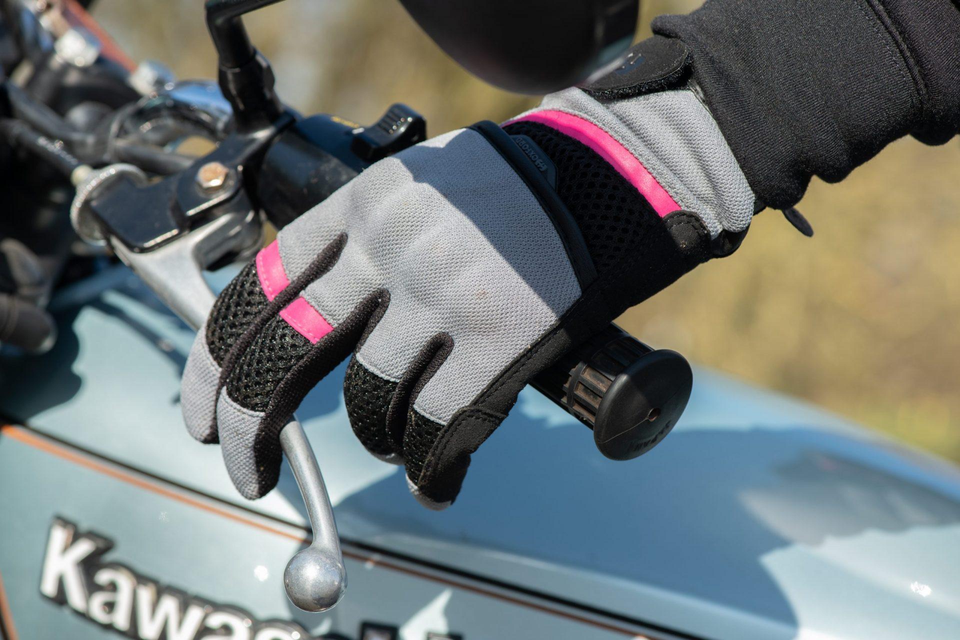 GW211102-Brisbane-WS-Glove-Tech-Grey_Pink_Black-5-scaled Women's Brisbane Short Summer Gloves