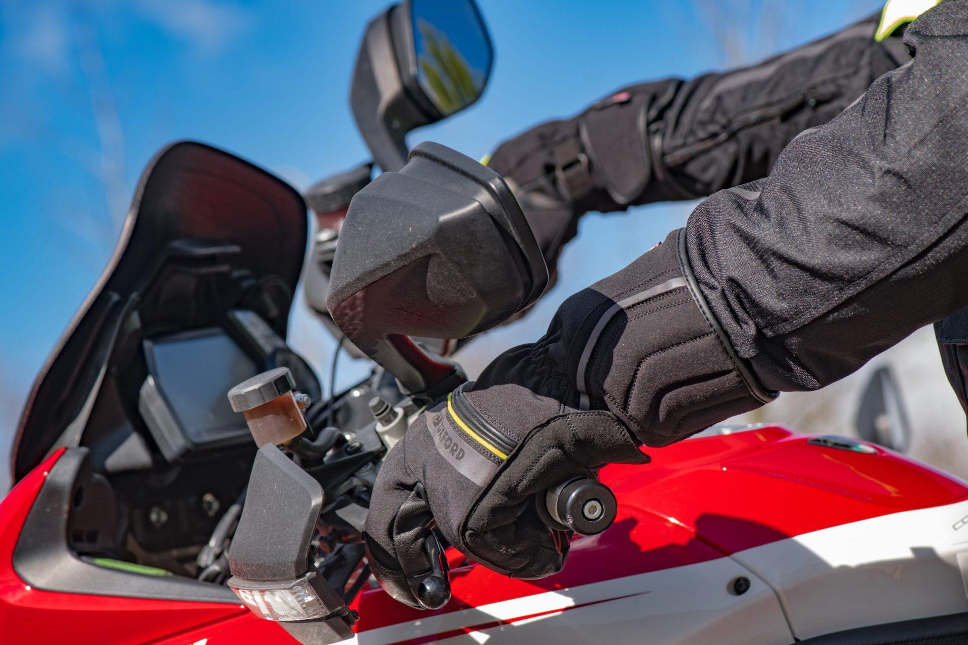 zz-gm216201s-Polar-MS-Glove-02-scaled Polar Dry2Dry™ Gloves