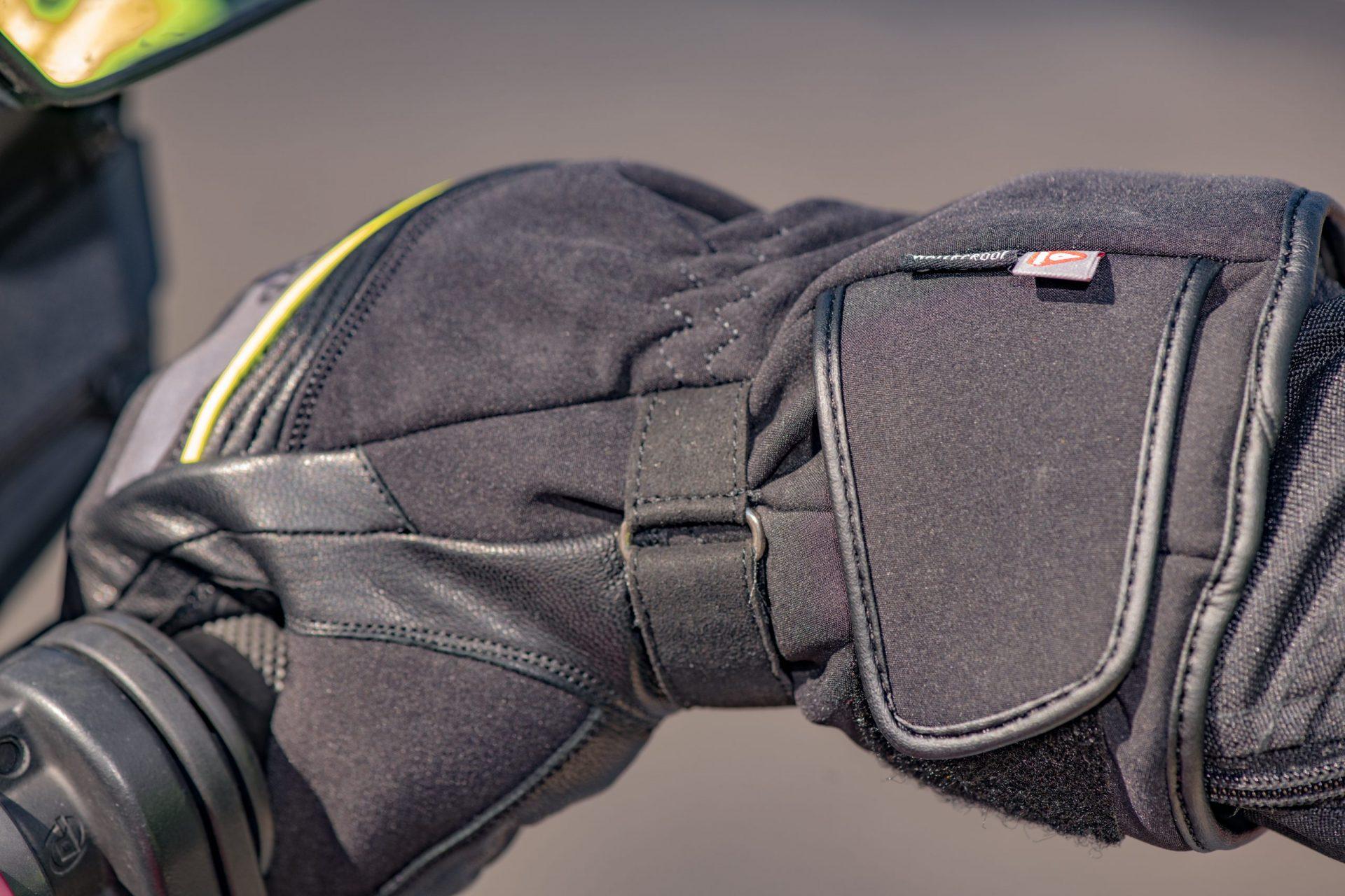 zz-gm216201s-Polar-MS-Glove-35-scaled Polar Dry2Dry™ Gloves